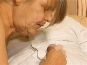 XxxOmas - Mature German grandma gets to taste some cum