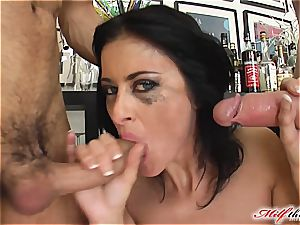 lovely Cecilia drains his manstick with her bum