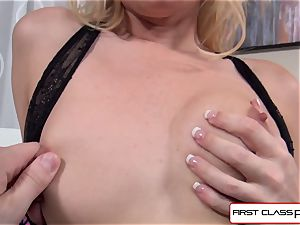 Aaliyah enjoy sucks and tear up a giant manmeat in point of view style