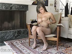 Cassidy Banks luvs to masturbate