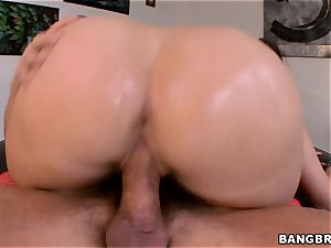 gigantic bootie dark haired Paige Turnah plumbed doggie