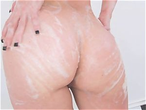 Jennifer milky gets super hot and crazy soaked in her tub for something crazy
