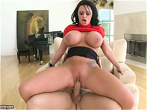 gigantic titted Kerry Louise juggles her coochie on a enormous chisel