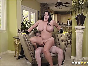 curvaceous mommy Sybil Stallone takes son-in-law for a rail