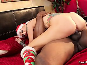 Christmas plowing with steamy mummy Sarah and a big black cock