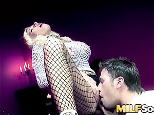 milf Michelle Thorne gets buttfuck drilling
