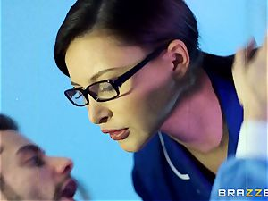 Anna Polina gets it in her kinky clam
