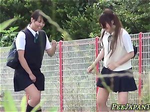 japanese schoolgirls urinate