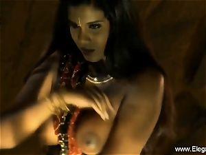 Bolly honey Desi Indian cougar