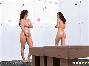 Reena Skye and Aidra Fox lesbo shower pals
