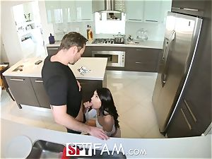 Spyfam Thanksgiving lovemaking with Anissa Kate