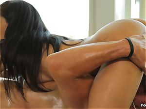 Chloe Amour massage and extras