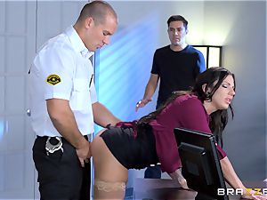 luscious ample breasted babe Lylith Lavey getting pulverized