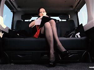 humped IN TRAFFIC - british Tina Kay torn up in the car