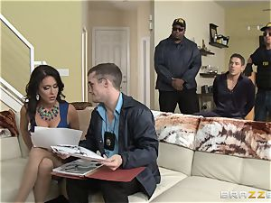 Criminals wifey Jessica Jaymes plowed by a scorching cop