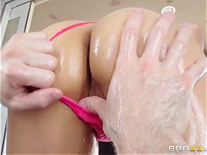 Sarah Vandella endures an oily anal humping
