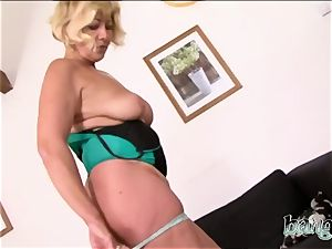 flawless bootie mature bi-atch prefers bbc all day every day