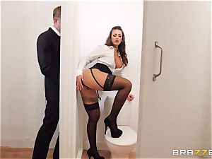 Glory fuck-hole - assistant bangs his bootylicious exotic headmistress Susy Gala in a public toilet