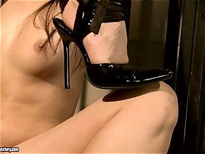 Kathia Nobili makes a super-fucking-hot stunner deep-throat a dildo
