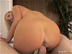 Tasha Reign rodeos prick with her moist cootchie