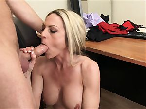 platinum-blonde cougar boss Sindy Lang in super-sexy pantyhose always gets her way