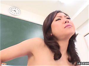 4 way in her cunt getting her off so stiff