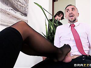 Bored wifey Aubrey dark-hued wants a chunk of Keiran lee