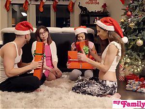Stepbro's Christmas 3some And sista creampie S5:E6