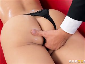 Butler wedges his meaty meatpipe into chinese brat Kaylani Lei