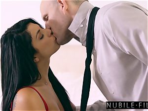 supah gorgeous Gina Valentina seduces Moms beau