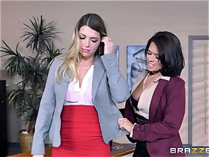 Mean manager Eva Angelina pummels Jenna Ashley with string on stiffy