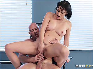 The fine Dr. Sins probes her sole fetish